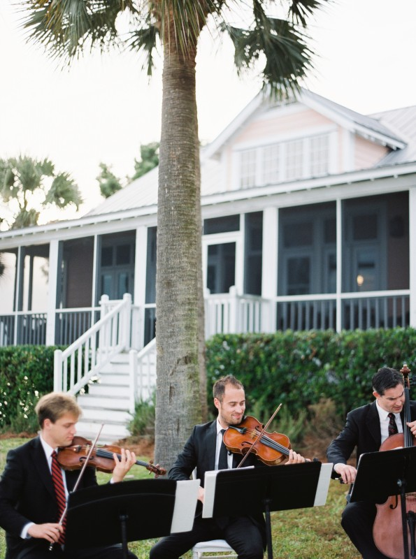 outdoor wedding musicians